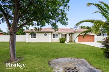 21351 Sw 129 Court 4 Beds House for Rent Photo Gallery 1