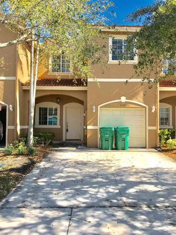 21471 Sw 86 Place 3 Beds House for Rent Photo Gallery 1
