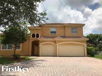 2390 Sw 130 Terrace 6 Beds House for Rent Photo Gallery 1