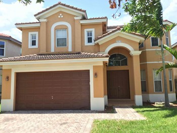24124 SW 107 Court 4 Beds House for Rent Photo Gallery 1