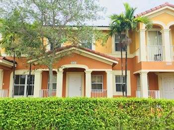 24363 Sw 109 Avenue 4 Beds House for Rent Photo Gallery 1