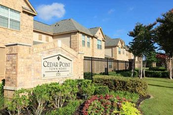 1751 Town Crossing Dr 2-4 Beds Apartment for Rent Photo Gallery 1