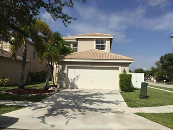 3118 Sw 176 Way 4 Beds House for Rent Photo Gallery 1