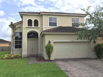 4104 Ne 22 Lane 5 Beds House for Rent Photo Gallery 1