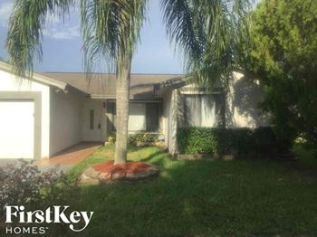 5230 NW 99 Ave 3 Beds House for Rent Photo Gallery 1