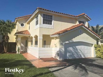 5332 Sw 153 Court 3 Beds House for Rent Photo Gallery 1