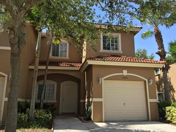 8526 Sw 214 Way 3 Beds House for Rent Photo Gallery 1