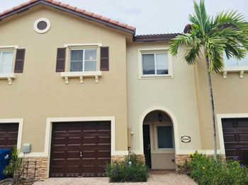 8940 Sw 223 Terrace 3 Beds House for Rent Photo Gallery 1