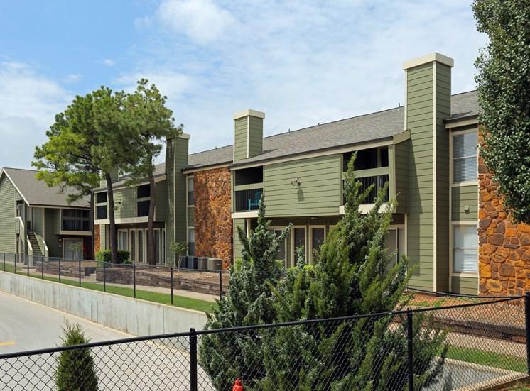 building northwest oklahoma city apartments