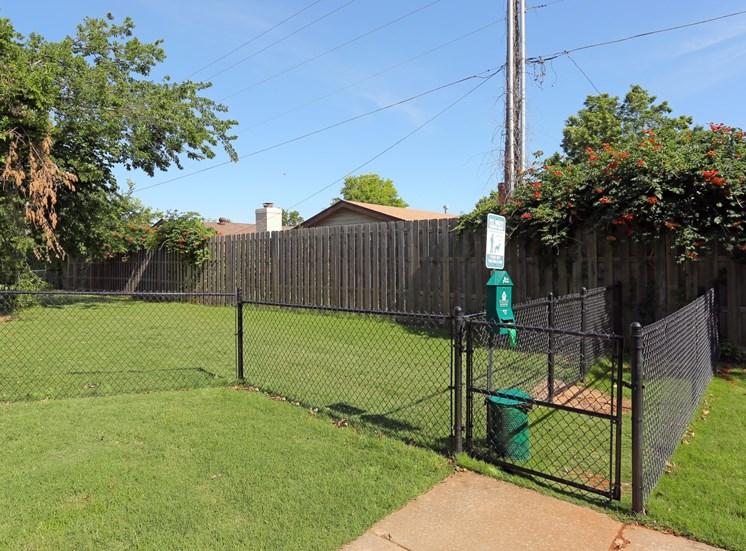 dog yard northwest oklahoma city apartments