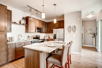 9580 Ridgegate Parkkway 1-3 Beds Apartment for Rent Photo Gallery 1