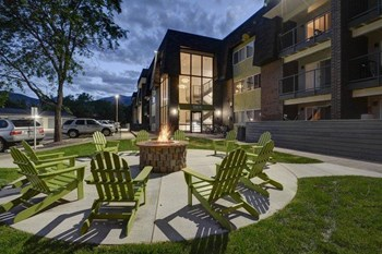 864 Oxford Lane 1-2 Beds Apartment for Rent Photo Gallery 1