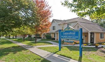 1415-1441 Des Moines St. 2-3 Beds Apartment for Rent Photo Gallery 1