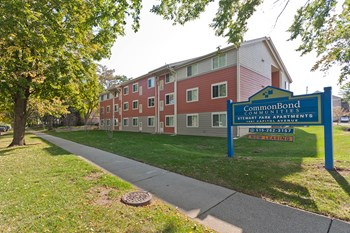 1401 E Capitol Ave 2 Beds Apartment for Rent Photo Gallery 1