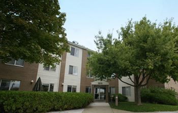 5010 Summit Avenue 1 Bed Apartment for Rent Photo Gallery 1