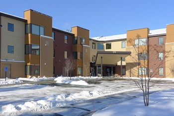 375 Lake View Drive 1-2 Beds Apartment for Rent Photo Gallery 1