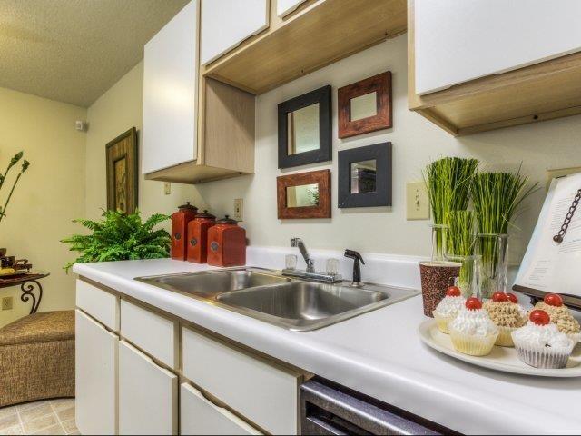 Fitted Kitchen at Brannigan Village Apartments, Winston Salem, 27127