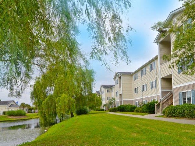 outdoor living at River Landing Apartments, South Carolina