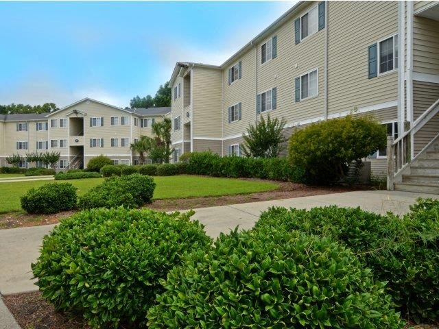 Landscaping With Greenery at River Landing Apartments, Myrtle Beach, South Carolina