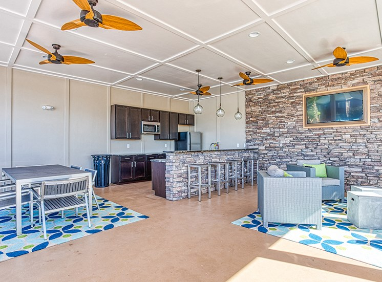 outdoor open concept kitchen area for apartment building