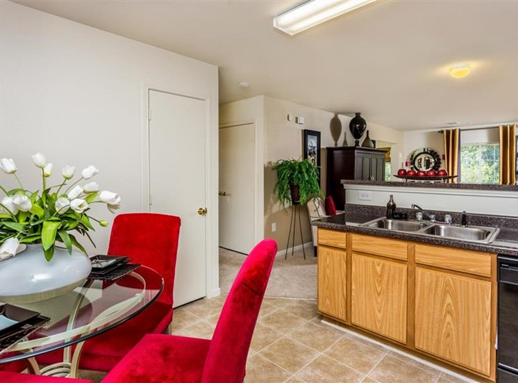 Kitchen at Eagle Point Village Apartments, Fayetteville, 28314