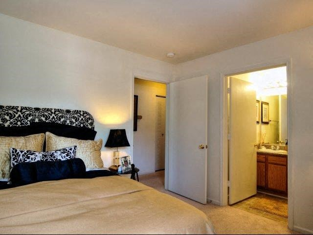 Spacious Bedrooms With En Suite Bathrooms at Battleground North Apartments, North Carolina, 27410