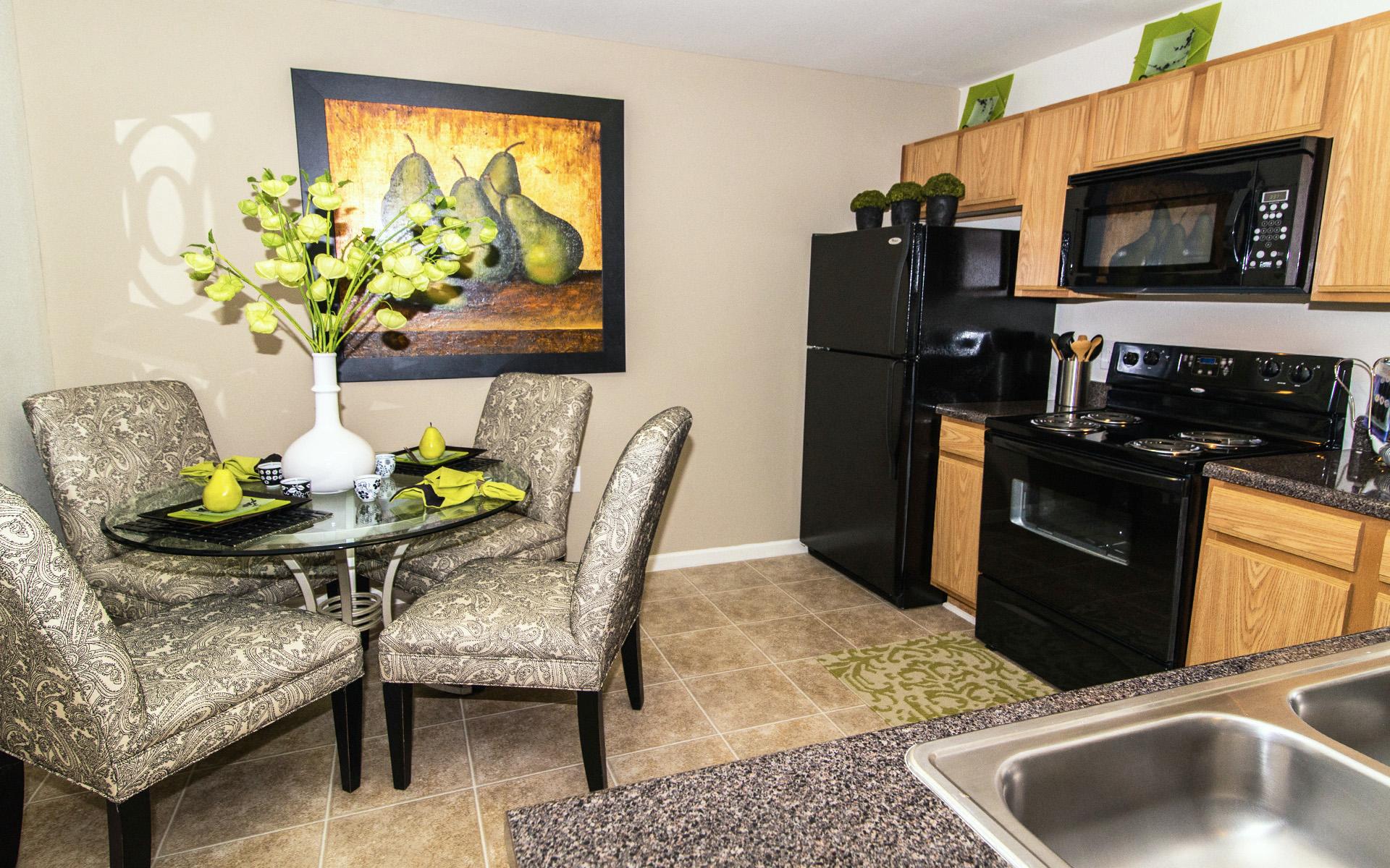 Eat In Kitchens At Cedarcrest Village Apartments, Lexington, SC, 29072