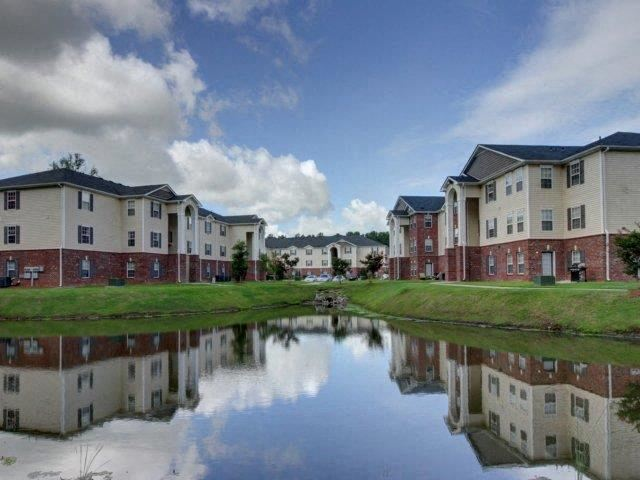 Apartment Complex Exterior at Cobblestone Village Apartments, Summerville, 29483