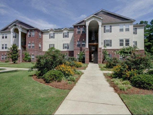 Apartment Complex Entrance at Boltons Landing Apartments