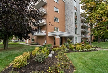 650 Sir John A. Macdonald Blvd. 1-3 Beds Apartment for Rent Photo Gallery 1