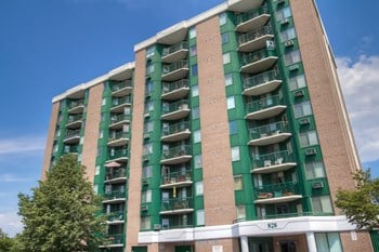 828 Sutton Mills Court 2 Beds Apartment for Rent Photo Gallery 1