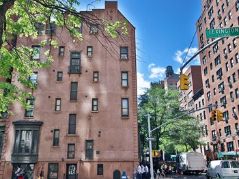 130 East 37th Street 1 Bed Apartment for Rent Photo Gallery 1