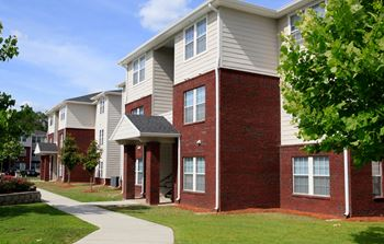 2415 SE 4th Lane 2-3 Beds Apartment for Rent Photo Gallery 1