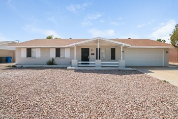 7646 N 37th Ave 3 Beds House for Rent Photo Gallery 1