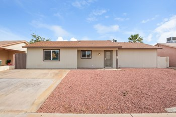 8453 W Piccadilly Rd 3 Beds House for Rent Photo Gallery 1