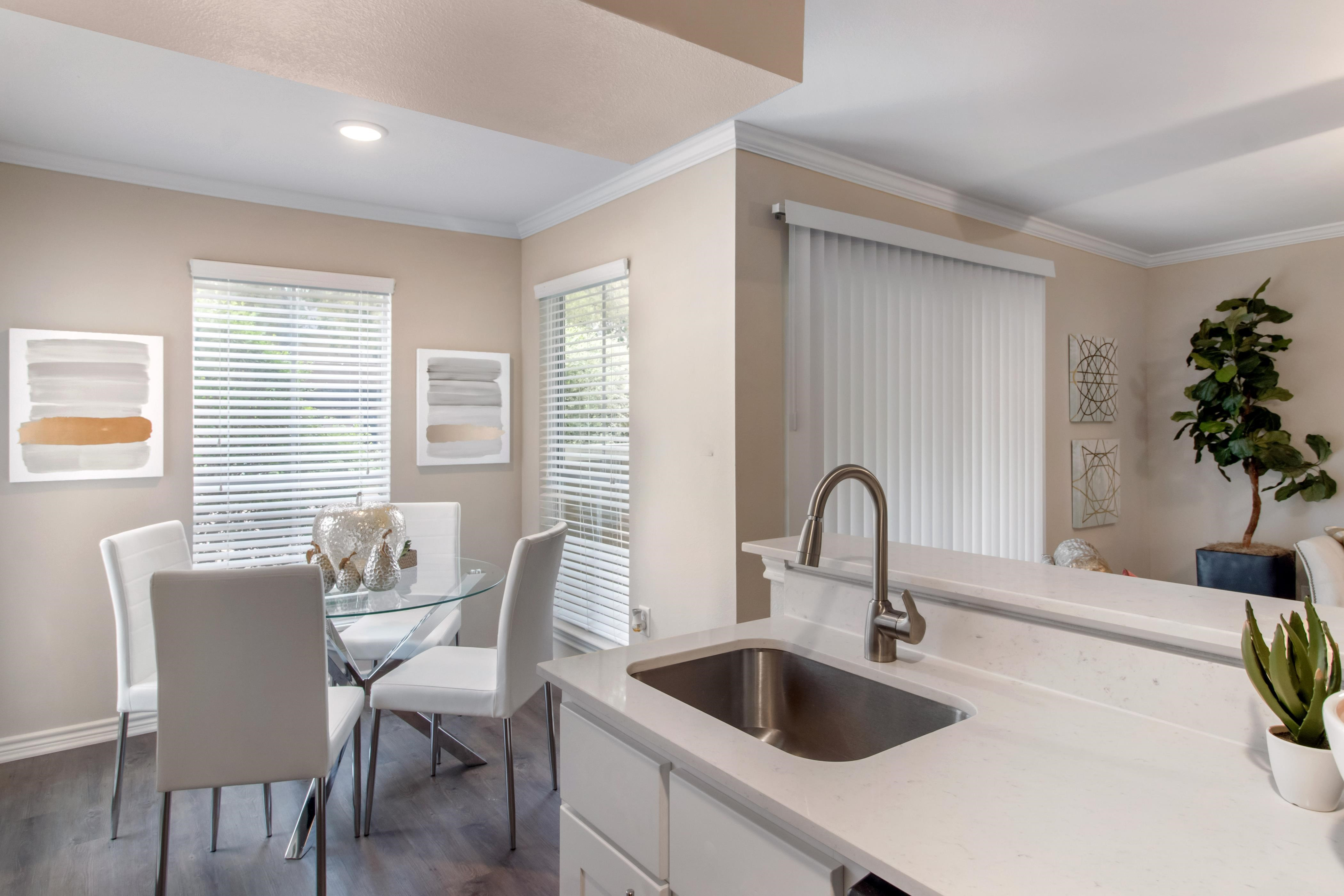 Silverado|Kitchen and dining room