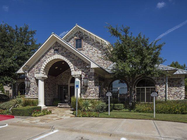 Leasing Office | Rock Ridge Apartment Homes | Arlington, TX