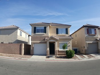5244 Paradise Valley Ave 4 Beds House for Rent Photo Gallery 1