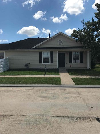 1661 Nichole Woods Dr 3 Beds House for Rent Photo Gallery 1