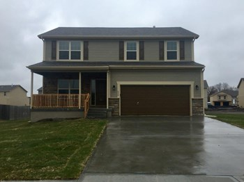 550 S Meadowbrook St 4 Beds House for Rent Photo Gallery 1