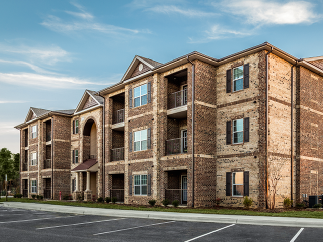 Apartment Complex Exterior With Beautiful Brick Construction at Horizons at Steele Creek, Charlotte