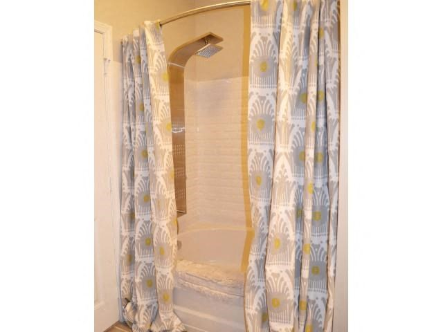 Shower Features at Horizons at Steele Creek, North Carolina, 28273