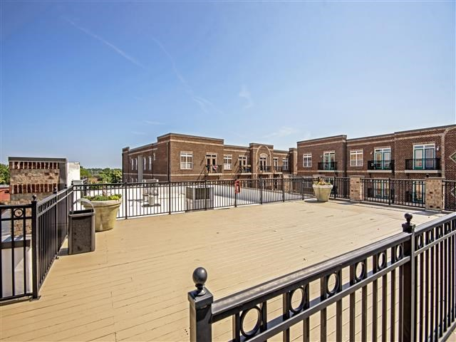Outdoor Patio at CityView Apartments, Greensboro, NC, 27406