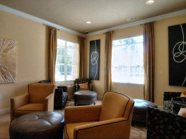 Apartment Rentals in Greensboro, NC | Innisbrook Village