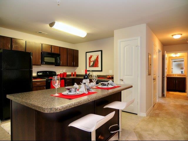 New Countertops and Cabinets at Innisbrook Village Apartments, North Carolina
