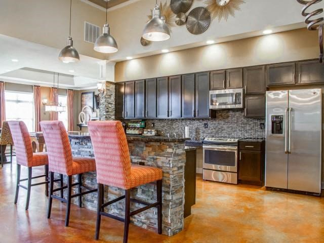 Clubhouse with Demonstrative Kitchen at Glass Creek Apartments, Mt Juliet, TN