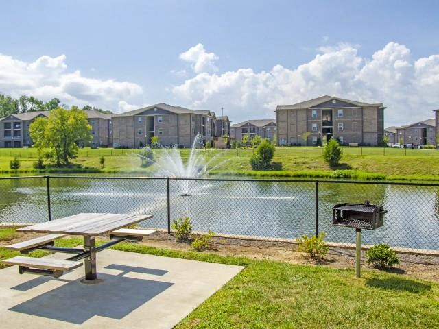 Beautiful Outdoor Lake at Glass Creek Apartments, Tennessee, 37122