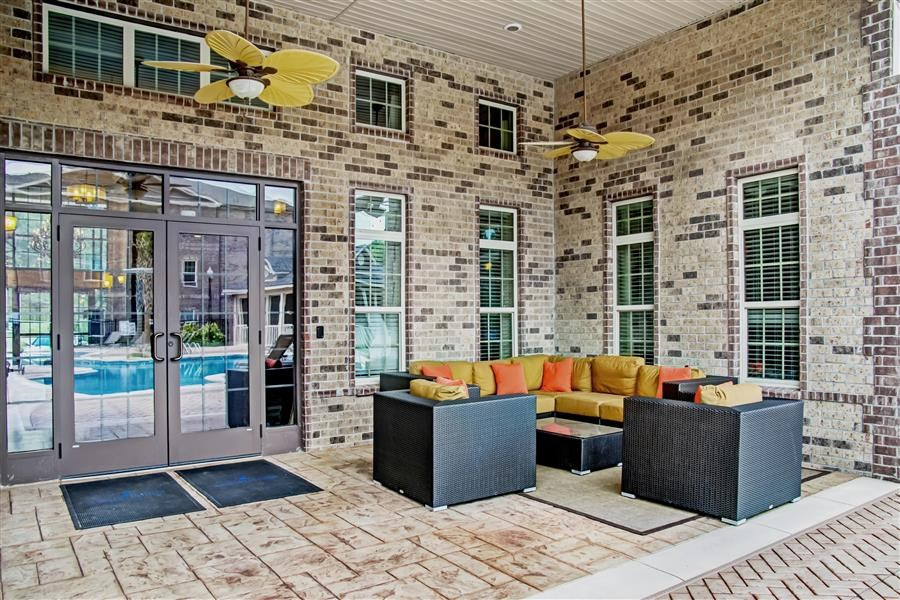 Outdoor Resident Lounge at Heron Pointe, Nashville, 37214