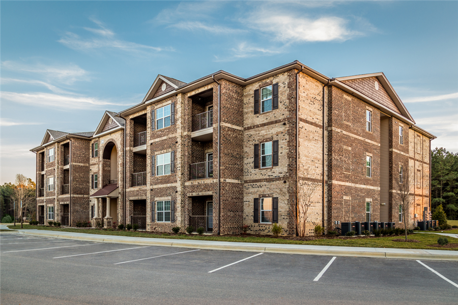Apartment Complex Exterior With Beautiful Brick Construction at Heron Pointe, Tennessee, 37214