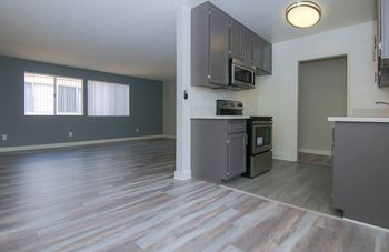 19207 Victory Blvd 1-3 Beds Apartment for Rent Photo Gallery 1